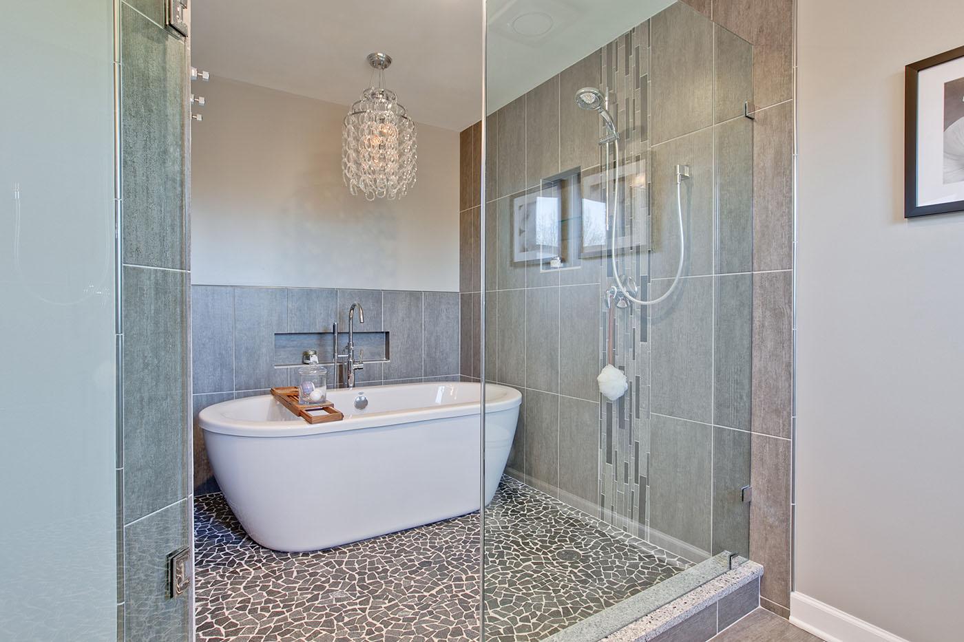 Julie-A-Green-Oaks-Bathroom-after-3