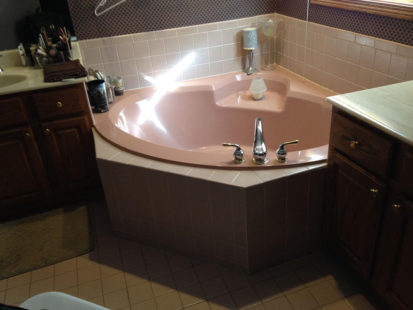 Julie-A-Green-Oaks-Bathroom-before-2