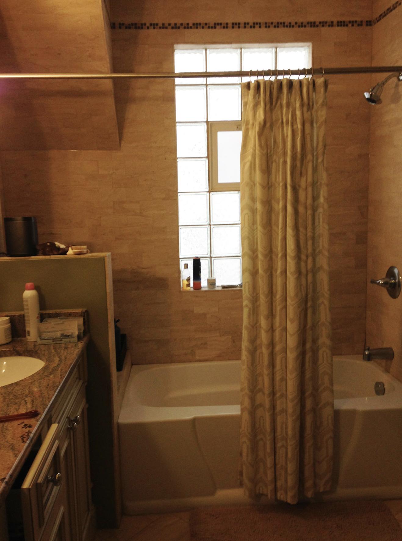 Taiss L Chicago Bath Before 2